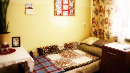 na zdjęciu wnętrze pokoju mieszkalnego